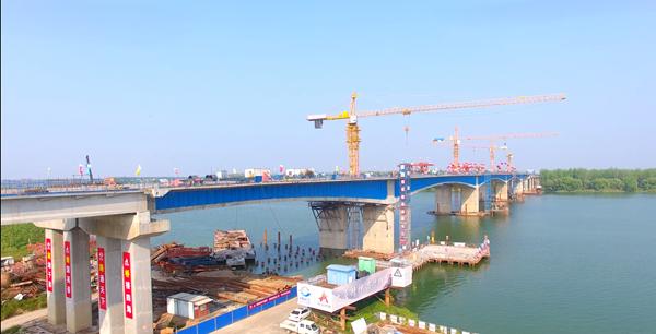 盛煌测速:全国最大跨径波形钢腹板悬拼梁桥在湖南合龙(图1)