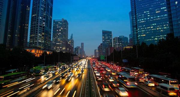 盛煌娱乐:国庆假期人流车流物流集中公安部交管局发布交通安全预警