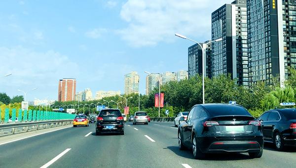 盛煌测速:国庆假期第二日全国公路水路预计发送旅客4642万人次